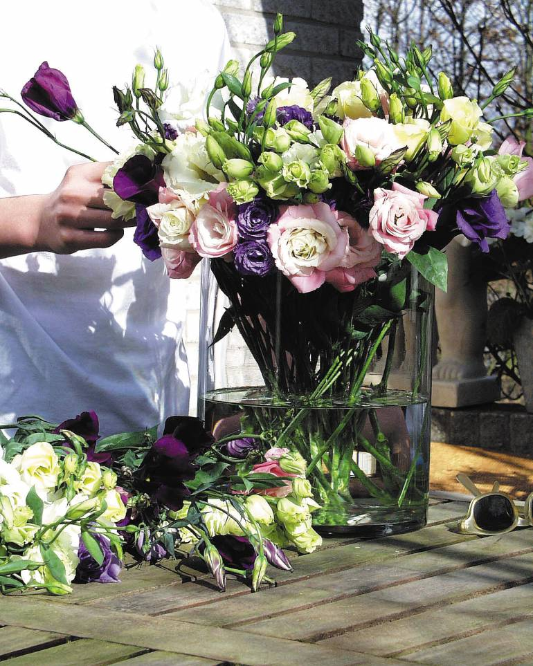 Mothers Day Favourite  – Lisianthus